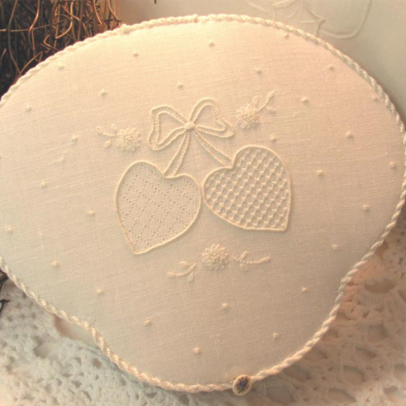 Heart's Desire White Work Etui