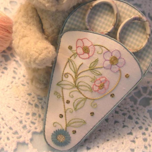 Le Jardin Collection Scissors Case & Pin Cushion